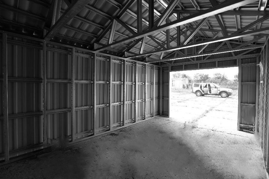 Металлический гараж изнутри